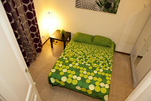 Student-friendly double bedroom in La Nova Esquerra de l'Eixample  - Gallery -  2
