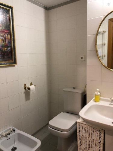Very nice single bedroom near Parque de Bombilla  - Gallery -  1