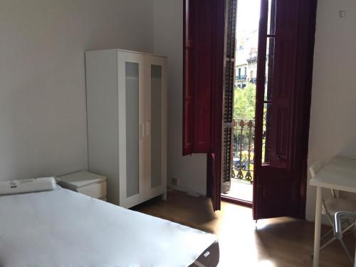 Trendy double bedroom in central Barcelona  - Gallery -  3