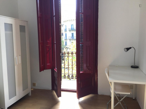 Trendy double bedroom in central Barcelona  - Gallery -  2