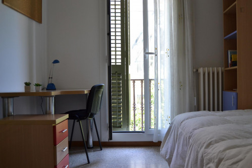 Twin room for single use in a residence near Diagonal metro station  - Gallery -  1