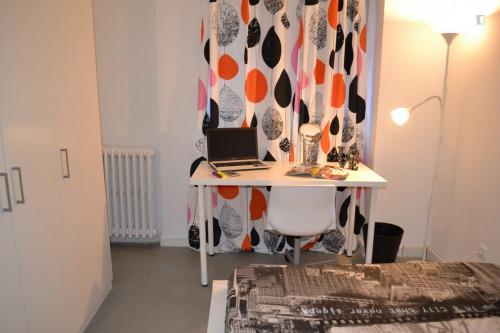 Super cool double bedroom in a 6-bedroom student flat, near Palos de la Frontera metro station  - Gallery -  2