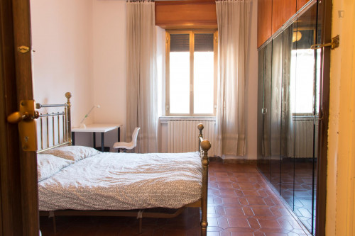 Very nice double bedroom near the Sesto Marelli metro  - Gallery -  1