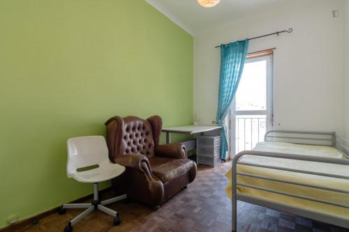 Well-equipped single room close to Universidade Lusíada de Belém  - Gallery -  6