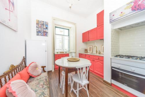 Welcoming single bedroom, with balcony, near subway Alameda  - Gallery -  1