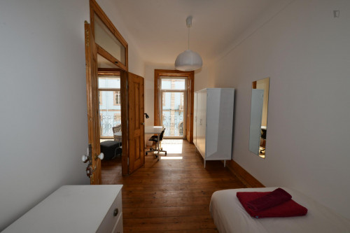Very nice single bedroom in Santa Apolónia  - Gallery -  2