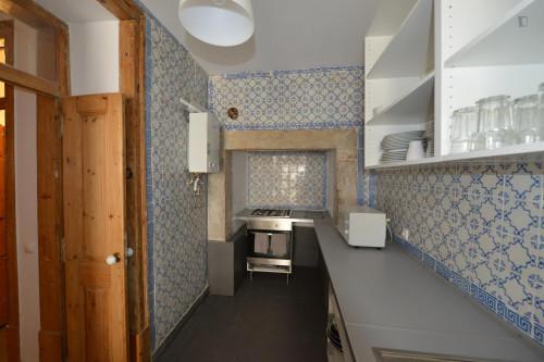 Very nice single bedroom in Santa Apolónia  - Gallery -  6