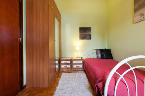 Warm single bedroom near Universidade Fernando Pessoa  - Gallery -  1