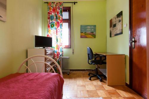 Warm single bedroom near Universidade Fernando Pessoa  - Gallery -  2