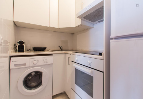 Very neat 1-bedroom apartment in classic Bica  - Gallery -  5