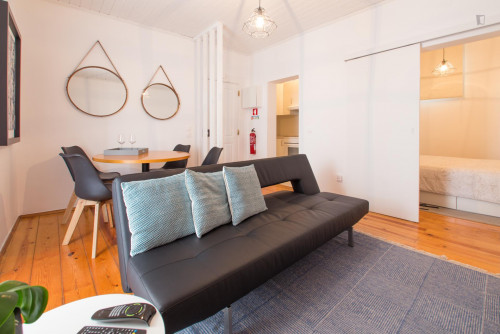 Very neat 1-bedroom apartment in classic Bica  - Gallery -  4