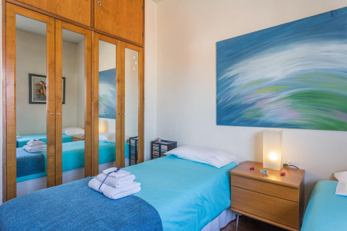 Twin bedroom in bright and spacious 2-bedroom apartment in Cedofeita  - Gallery -  1