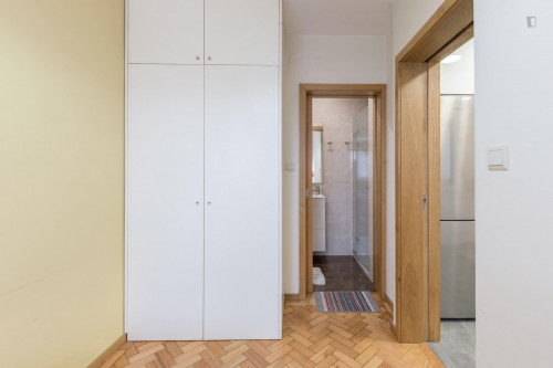 Welcoming single ensuite bedroom close to Universidade do Porto  - Gallery -  4