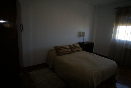 Very nice double bedroom in Santo Ildefonso  - Gallery -  2