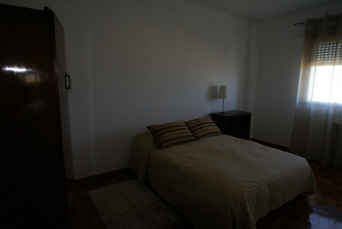 Very nice double bedroom in Santo Ildefonso  - Gallery -  1
