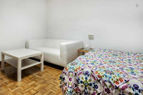 Very nice double bedroom in a 6-bedroom flat, near Cuzco metro  - Gallery -  2