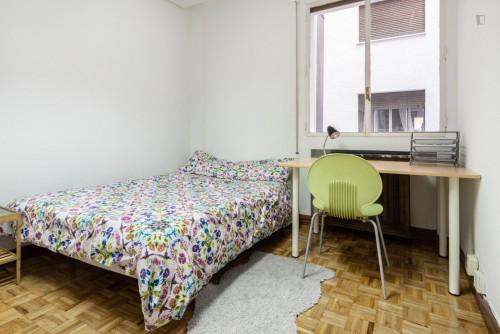 Very nice double bedroom in a 6-bedroom flat, near Cuzco metro  - Gallery -  1