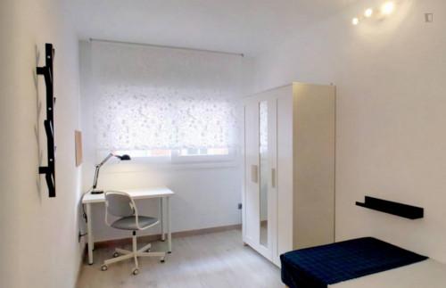 Welcoming single bedroom in residential San Diego  - Gallery -  1