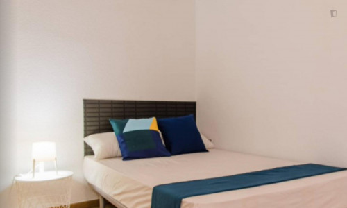 Very neat double bedroom near the Colón metro  - Gallery -  2