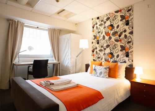 Wonderful double bedroom near Saldanha  - Gallery -  1