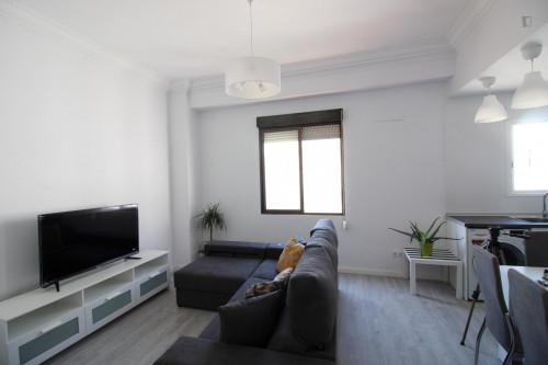 Welcoming single bedroom in Aiora  - Gallery -  4