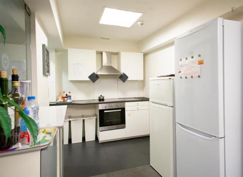 Welcoming double bedroom close to Saldanha metro station  - Gallery -  8
