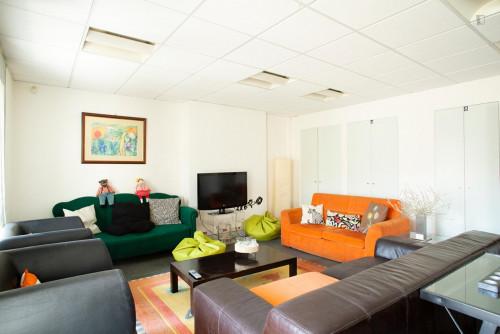 Welcoming double bedroom close to Saldanha metro station  - Gallery -  3