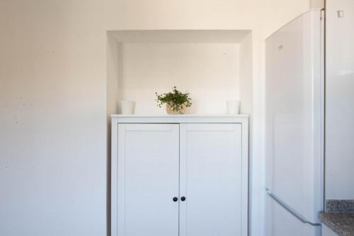 Very nice and bright single ensuite bedroom in student popular Paranhos (Porto)  - Gallery -  7