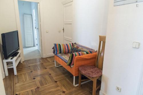 Super neat double bedroom in the Sol neighbourhood  - Gallery -  3