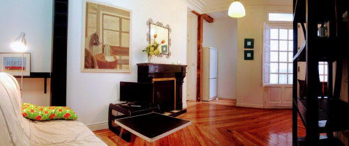 Well-decorated 1-bedroom apartment in a historic block of Trafalgar  - Gallery -  3