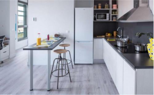 Sunny studio in a nice residence near Palau Reial metro stop  - Gallery -  3