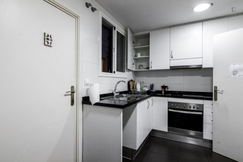 Very nice double bedroom near the Sants metro station  - Gallery -  7