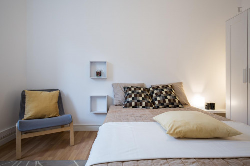 Welcoming double bedroom in Oeiras  - Gallery -  3
