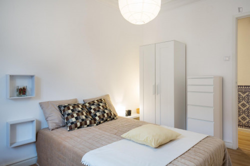 Welcoming double bedroom in Oeiras  - Gallery -  2