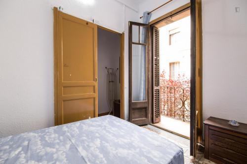 Tasteful double bedroom near the Fontana metro  - Gallery -  2