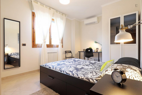 Very cool double bedroom near the S. Maria del Soccorso metro  - Gallery -  1