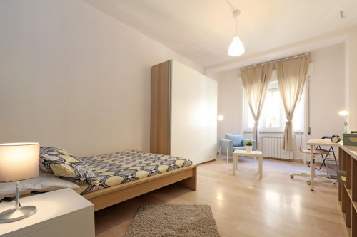 Welcoming double bedroom in a student flat, in Trastevere  - Gallery -  2