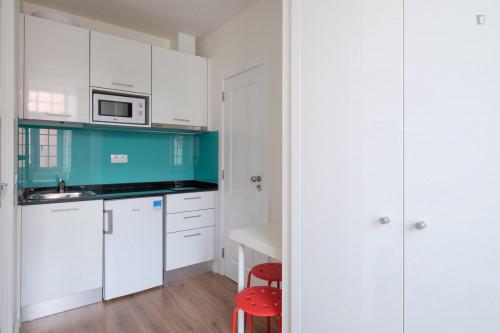 Welcoming studio in residential Penedo da Saudade  - Gallery -  4