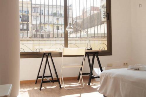 Welcoming double bedroom in L'Antiga Esquerra de l'Eixample  - Gallery -  3