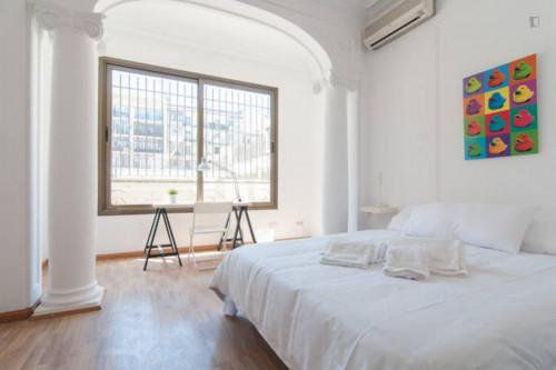 Welcoming double bedroom in L'Antiga Esquerra de l'Eixample  - Gallery -  2