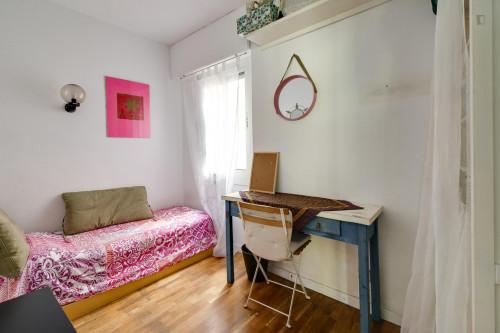 Suitable single bedroom close to Escola Superior de Música de Catalunya  - Gallery -  1