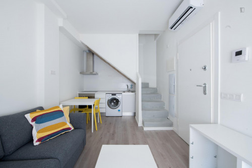 Very neat single ensuite bedroom in residential Berruguete  - Gallery -  6