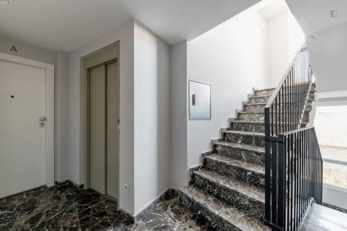 Very neat single ensuite bedroom in residential Berruguete  - Gallery -  8