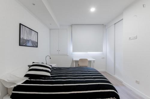 Very neat single ensuite bedroom in residential Berruguete  - Gallery -  2