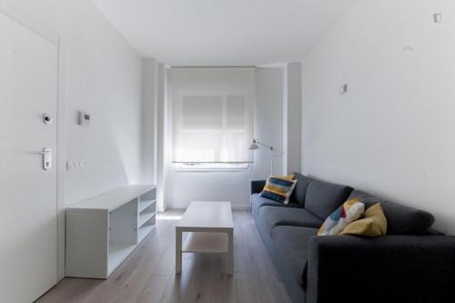 Very neat single ensuite bedroom in residential Berruguete  - Gallery -  4