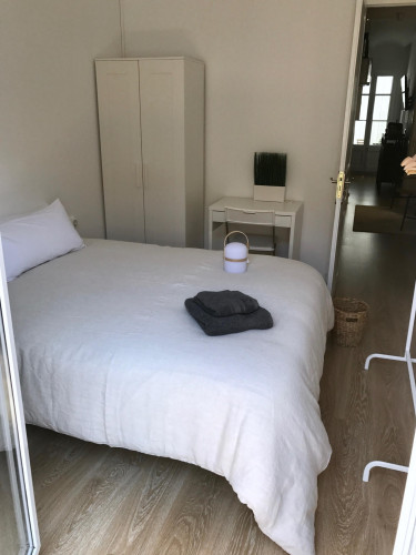 Very nice and spacious Double bedroom with private balcony in Collblanc  - Gallery -  3