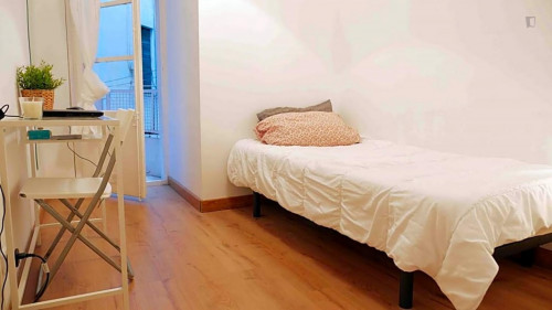 Wonderful double bedroom close to Urquinaona metro station  - Gallery -  1