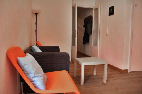 Wonderful double bedroom close to Urquinaona metro station  - Gallery -  7