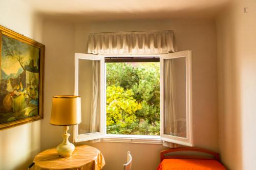 Sunny twin bedroom in a flat, in El Viso  - Gallery -  2