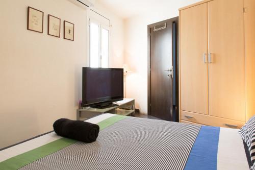 Tasteful double ensuite bedroom in El Barri Gótic  - Gallery -  1